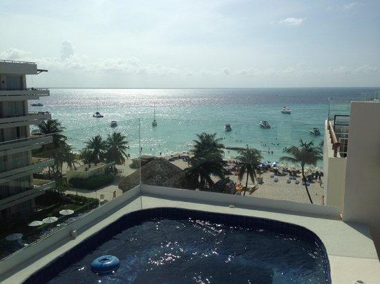 Ixchel Beach Hotel: Rooftop terrace