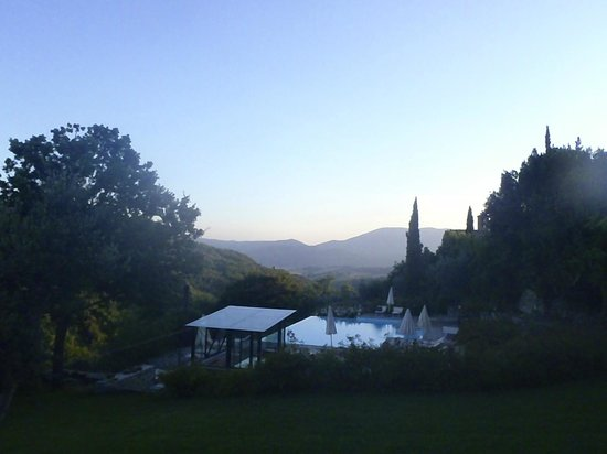 Locanda del Gallo: Views from pool and hot tub
