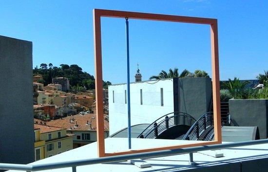 Musée d'Art Moderne et d'Art Contemporain : Mus. of Modern and Contemporary Art - on the roof