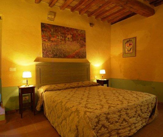 Podere La Marronaia Agriturismo: green flat