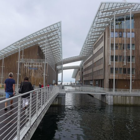 Astrup Fearnley Museet : The new Astrup Fearnley Museum in oslo by Renzo Piano