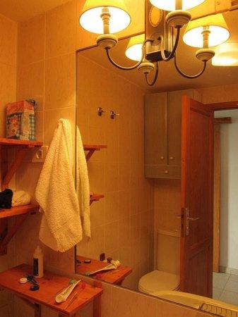 Apartments Centrocancajos: Bathroom