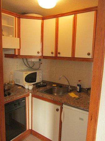 Apartamentos Centrocancajos: Kitchen