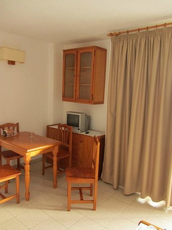 Apartamentos Centrocancajos: Dining room
