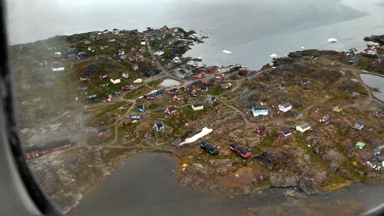 Old Cemetery : Inuit village from air - 082213