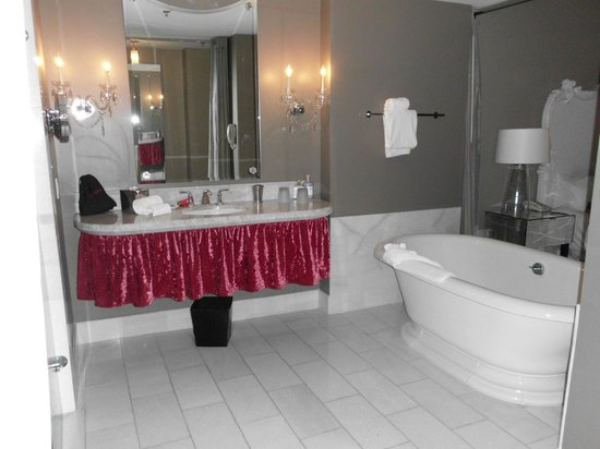 Mansion on Forsyth Park, Autograph Collection: bathroom