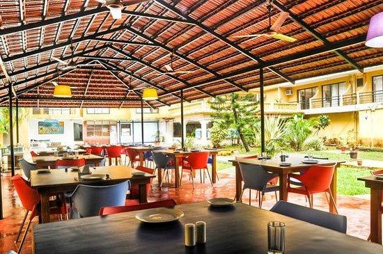 Stay Simple Peninsula Beach Resort: Cardamon restaurant