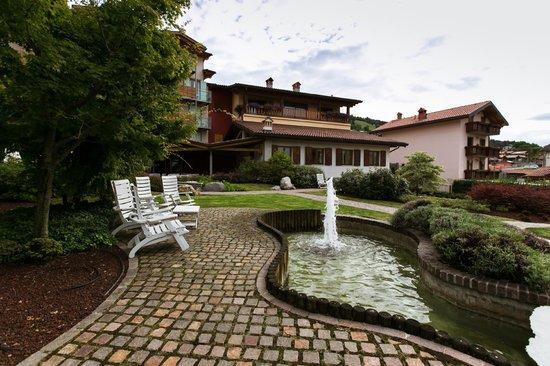 Hotel Miralago: garden