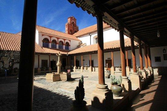 Santa Teresa Convent Museum - Convento Museo Santa Teresa: Patio