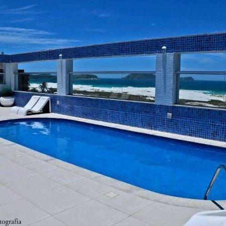 Hotel Balneario Cabo Frio: Piscina com vista panorâmica para a praia