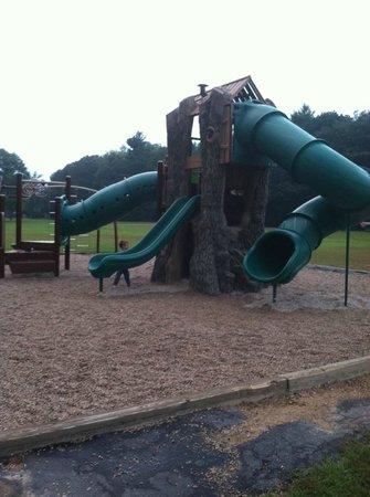 Glen Ellis Family Campground: Playground area