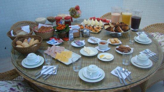 Hotel Balneario Cabo Frio : Café da manhã
