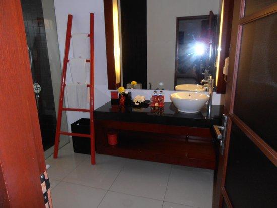 Kamar Kamar Rumah Tamu: bath
