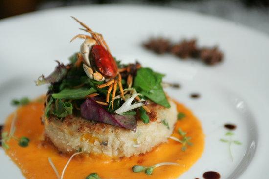 Blue Ginger Sushi & Lounge: crab cake