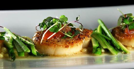 Blue Ginger Sushi & Lounge: scallop