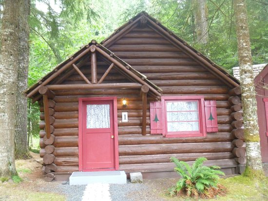 Gateway Inn & Cabins: Cabin for family of 4 - perfect!