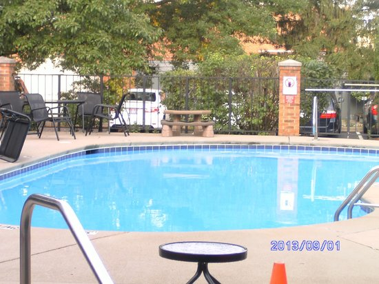 Homewood Suites by Hilton Columbus / Worthington : Pool