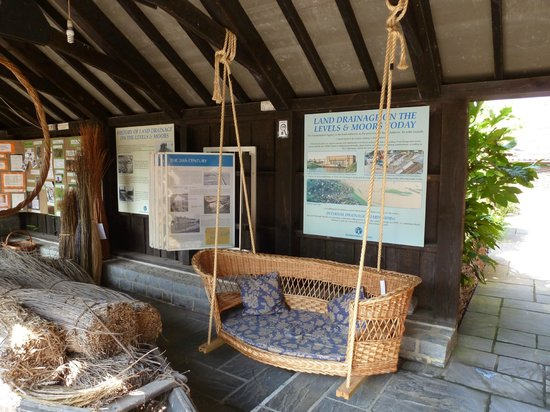 The Willows & Wetlands Visitor Centre: Willow is versatile!