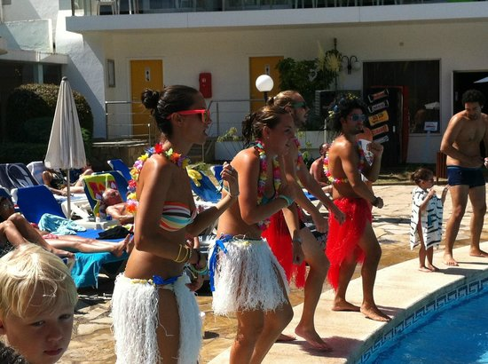 Hotel Anabel: animation dans la piscine