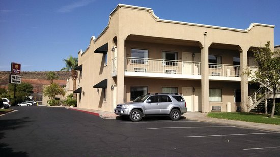 Back side of the St. George, UT Clarion Suites