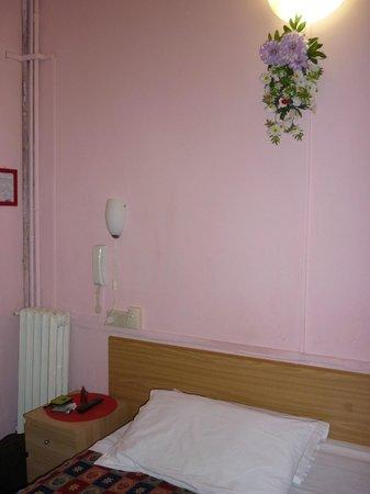 """Hotel Doria: decorazione """"floreale"""" in camera"""