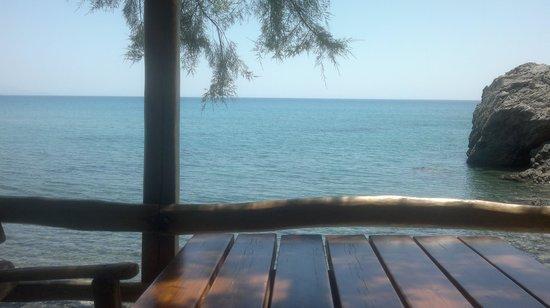 Nikos & Anna Rooms : δίπλα στη θάλασσα!