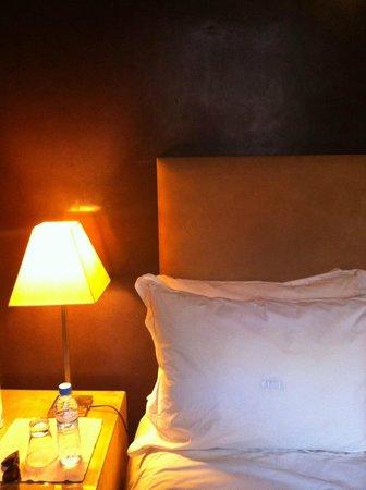 Riad Dar One: Bed