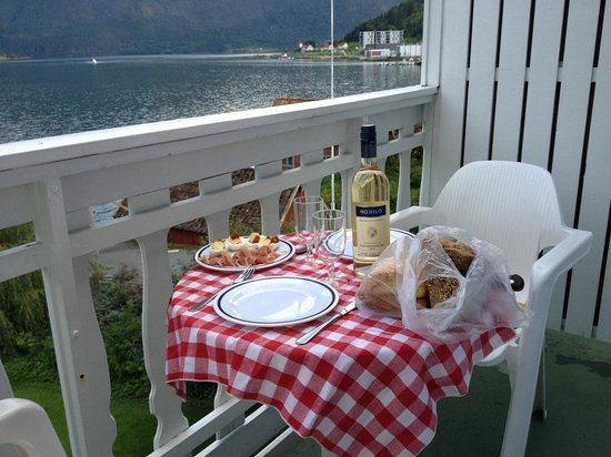 Hofslund Fjord Hotel : Prepare your own romantic dinner on your own balcony