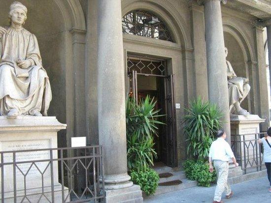 Florence's Secret: statues