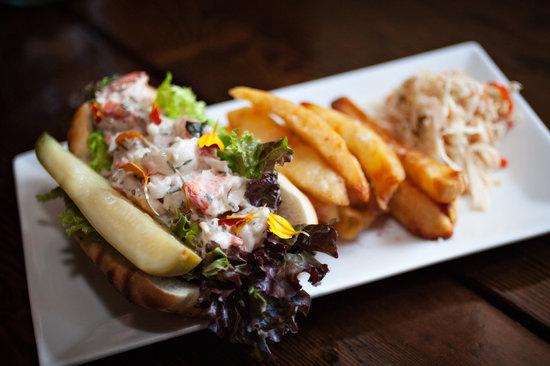 Winsor House Inn Restaurant: New England Lobser Roll