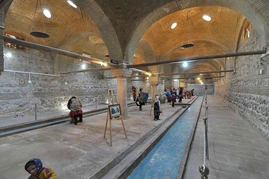 Zanjan, Iran: Inside the Rakhtshooy Khaneh