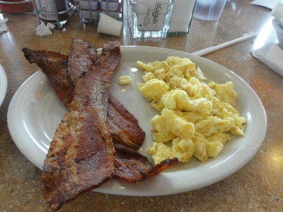 Hoosier Cafe : Bacon & eggs