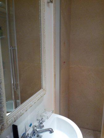 Hotel San Pancrazio: Salle de bains