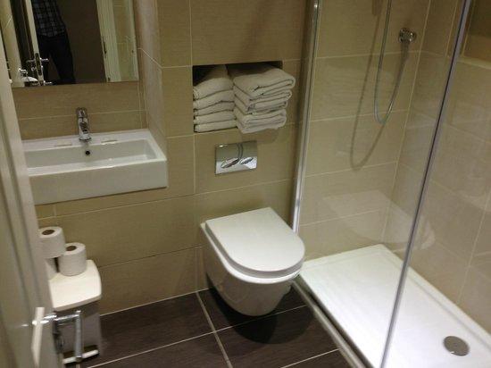 Athena Hotel : toilette/salle de bains