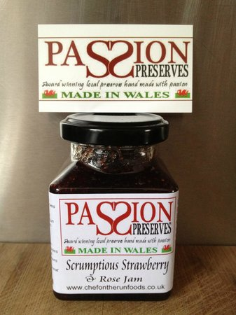 The Old Stables Tea Rooms: OLD STABLES TEAROOMS WINS GOLD AWARD AT WORLD JAMPIONSHIPS try it on their scones yum yum