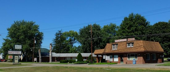 Gatehouse Motel: Gate House 1 - Corning, NY