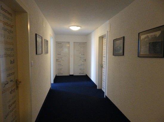 Hotel Sonnenberg: couloir