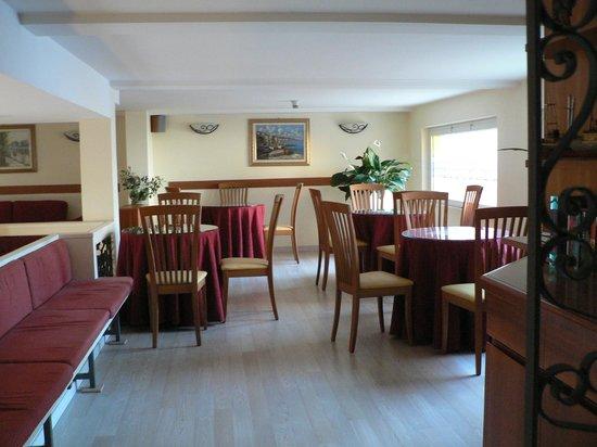 Hotel Katy: Interior