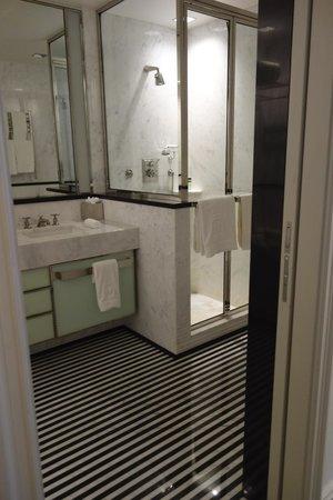 The Mark: Bathroom - Madison Queen, 5th  Floor