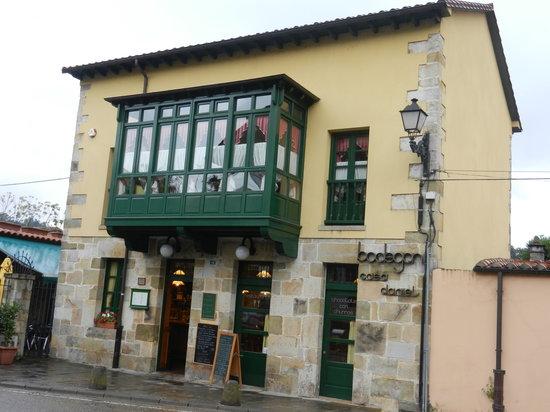 Lierganes, Spanien: Bodegon Casa Daniel