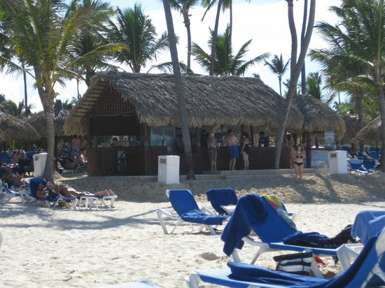 Luxury Bahia Principe Esmeralda: Our favorite little beach bar