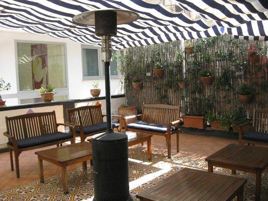 Hotel Correra 241 : terrasse
