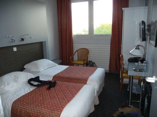 Le Royal Hotel : Chambre correcte mais minuscule