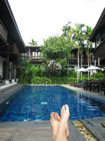 BanThai Village : Relaxing courtyard and pool