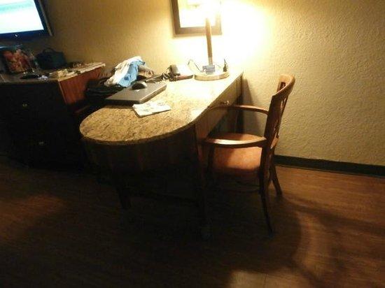La Quinta Inn & Suites Cocoa Beach Oceanfront: Chair Too Low