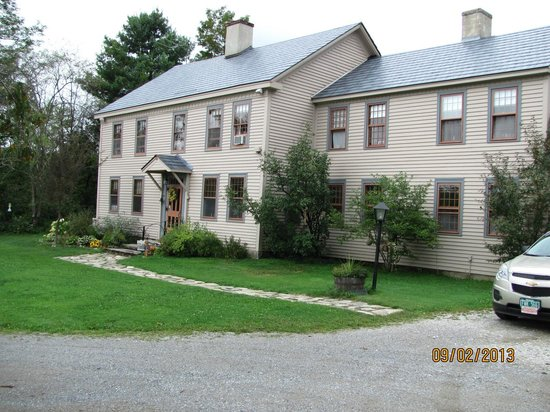 Apple Knoll Inn is a very historic building