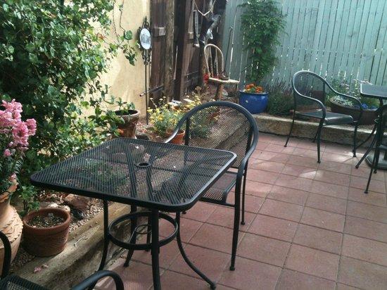 the outside patio picture of silver saddle motel santa. Black Bedroom Furniture Sets. Home Design Ideas