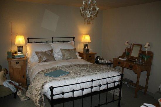 Cross Lane House: our room