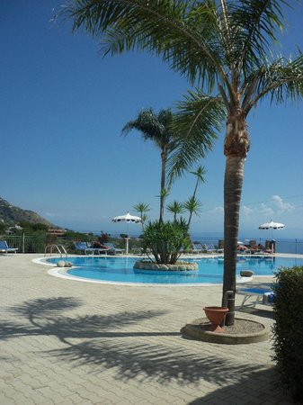 Hotel Residence Rosy: vista piscina