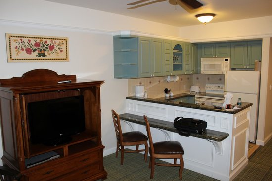 Living Room and Kitchen - Picture of Disney\'s Saratoga Springs ...